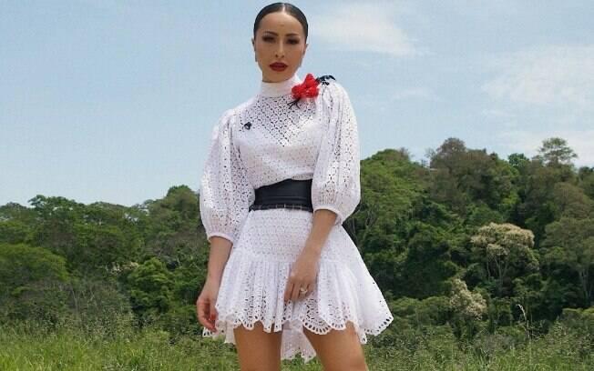 Sabrina Sato vai desfilar na Gaviões da Fiel