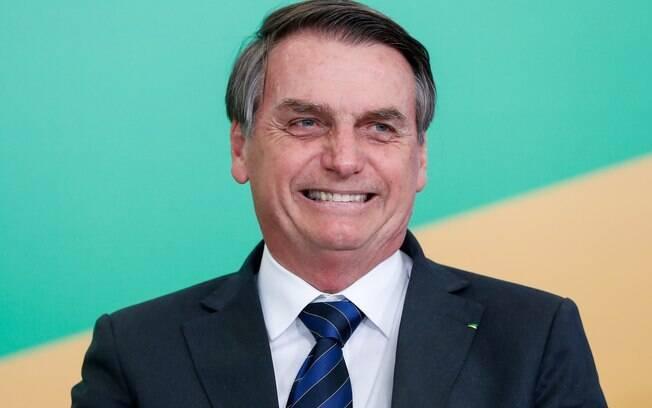 Bolsonaro concordou com comentário de internauta que zombava de Brigitte Macron