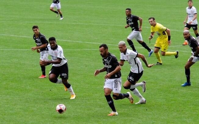 Corinthians vira contra Ponte Preta e vence primeira no Paulista