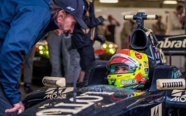 Pietro Fittipaldi ouve conselhos do avô Emerson, bicampeão da Fórmula 1