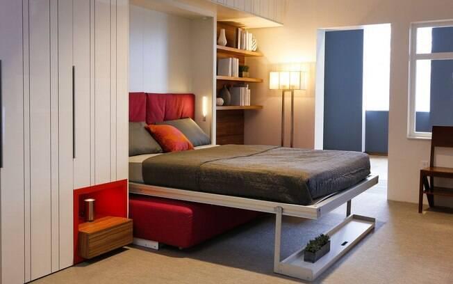 Modelo em escala natural de quitinete tem cama que pode ser escondida na parede