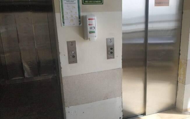 Pacientes dividem elevadores com lixo hospitalar no Mário Gatti