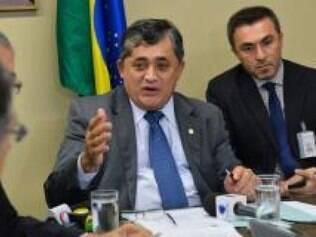Para o líder José Guimarães, não votar o Orçamento põe em risco as obras de infraestrutura hídrica