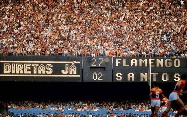 As manifestações políticas no estádio são comuns desde a década de 1970