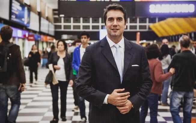 No aeroporto de Congonhas (SP), Marco Collovati posa para o iG. Ele é proprietário da OrangeLife, empresa brasileira especializada em diagnóstico rápido