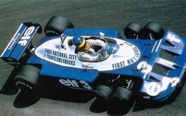 A Tyrrell P34, de Ronnie Peterson,  tem lugar cativo na lista. Com seis rodas, o veículo é de uma feiúra única.  Exótico demais