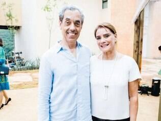 """Casa dos artistas: o super Eder Santos com a arquiteta Angela Roldão, criadora do """"Loft do Apaixonado por Música"""""""