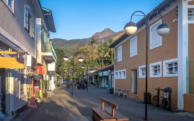 Centro histórico, a Vila oferece diferentes opções gastronômicas, desde o tradicional açaí até pratos mais elaborados