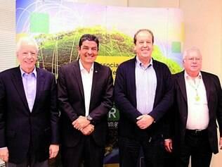 Evento. Executivos da Abear receberam ontem o ministro do Turismo, Vinícius Lages (segundo à esq)