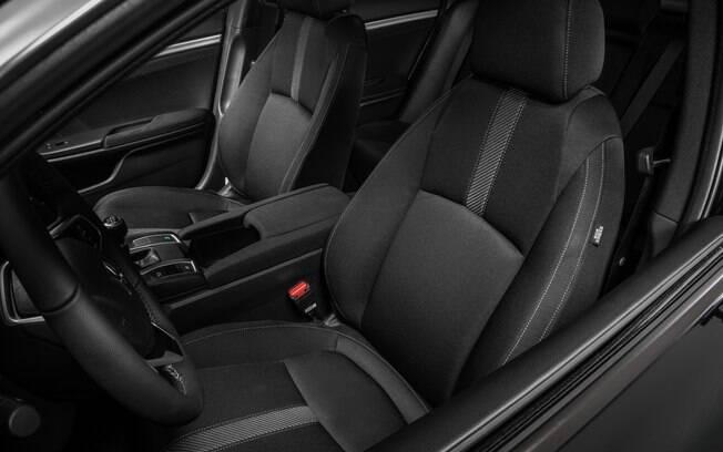Honda Civic ganha mais equipamentos na linha 2018
