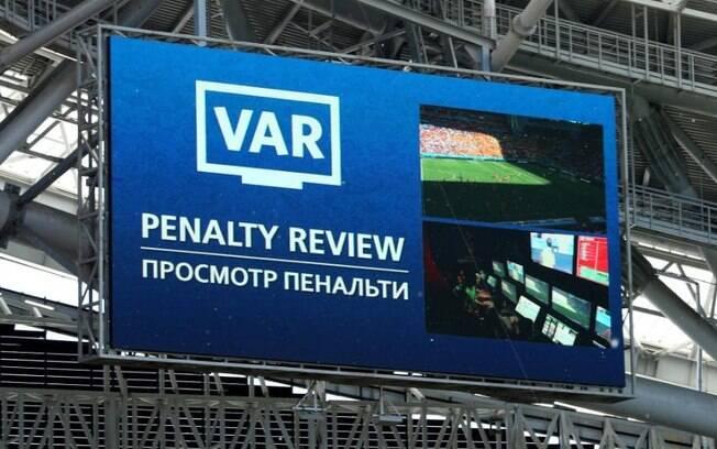 VAR%2C o árbitro de vídeo%2C na Copa do Mundo