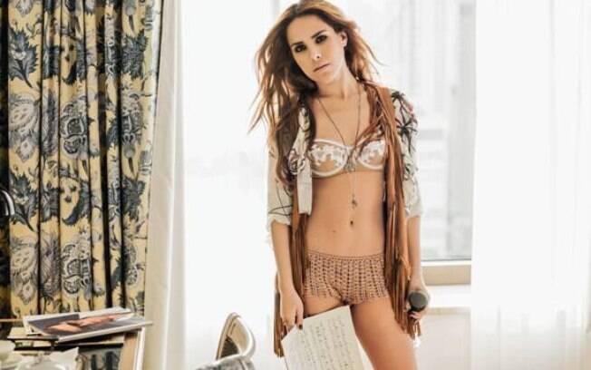 Wanessa posa de lingerie para a Playboy