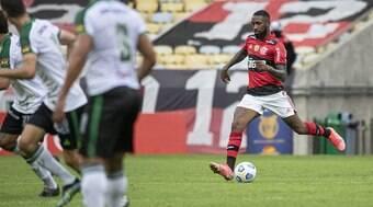 Flamengo vence América e Gerson fala sobre saída: