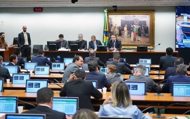 Sessão da Comissão de Constituição e Justiça (CCJ) da Câmara
