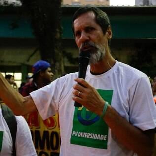 O candidato à Presidência, Eduardo Jorge, durante ato público em memória do jovem João Antônio Donati, pela criminalização da Homofobia, no Largo do Arouche, em São Paulo