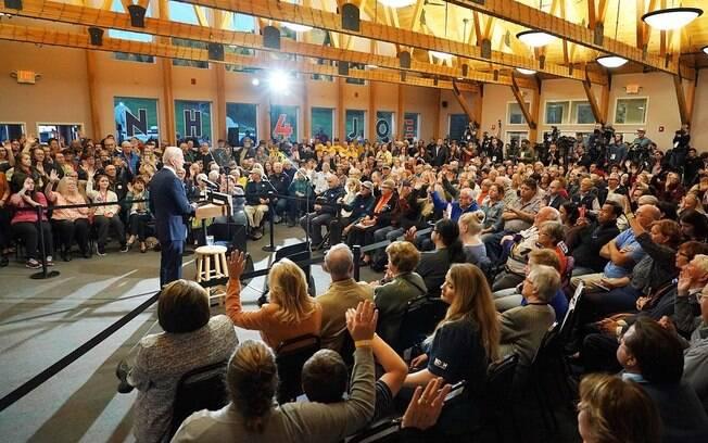 Joe Biden em comício em quem apoiou impeachment