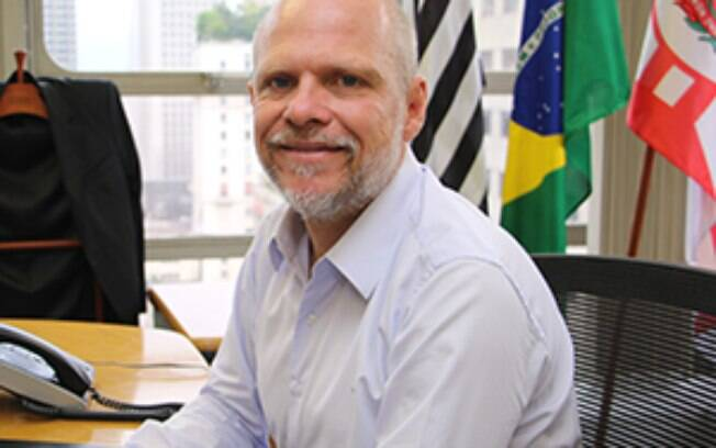O Tribunal de Justiça de São Paulo condenou, em primeira instância, o secretário de Transporte Sérgio Avelleda