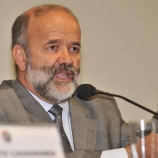 O tesoureiro do PT, João Vaccari Neto fala à CPI