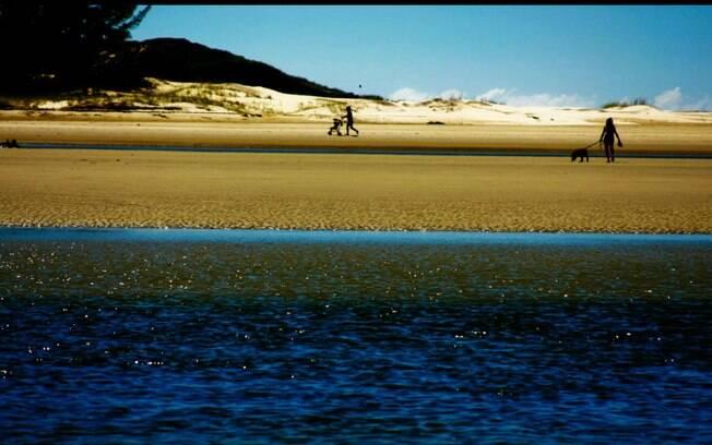 Lagoa da Barra de Ibiraquera é ideal para quem quer sossego