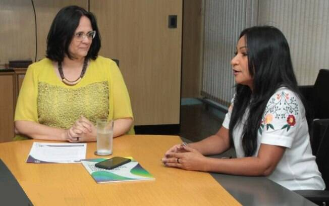 Damares Alves e Silvia Waiãpi se encontraram no início da gestão da ministra na pasta da Mulher, da Família e dos Direitos Humanos