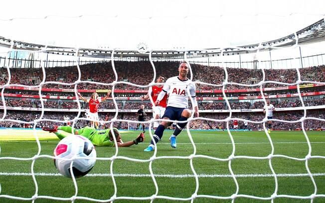 Kane marca gol
