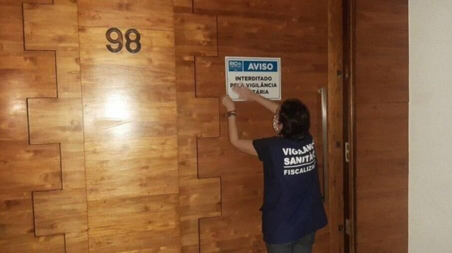 Casa de Swing que promovia festa para 300 pessoas foi interditada