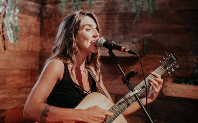 Rachell Luz lança single Gostoso Demais