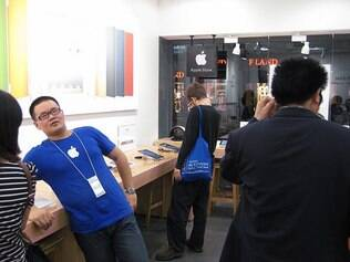Loja falsa copia até uniforme dos funcionários
