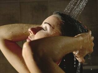 Aproveite a hora do banho para fazer tratamentos de beleza