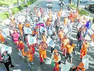 Garis efetivos em greve se concentraram no bairro Santa Efigênia
