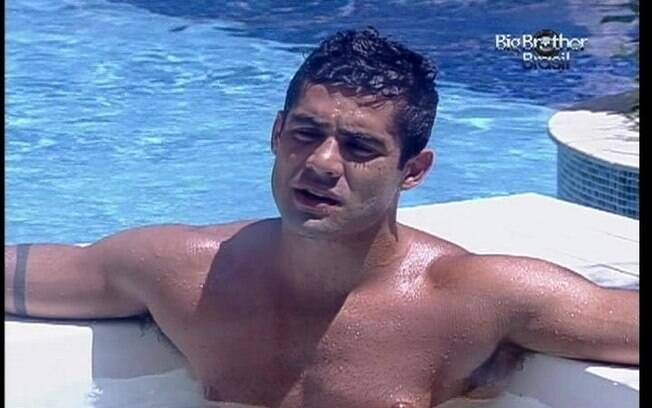 Yuri conversa com Ronaldo sobre bbrigas com João Carvalho e Fael