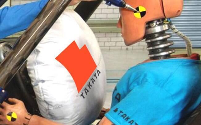 Airbags da marca utilizam um componente químico que pode se deteriorar, aumentando a força com quem são ativados e disparando pedaços de plástico contra os ocupantes
