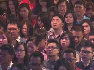 A igreja evangélica Mawar Sharon, na Indonésia, fez uma cerimônia especial em homenagem aos mortos no voo da AirAsia