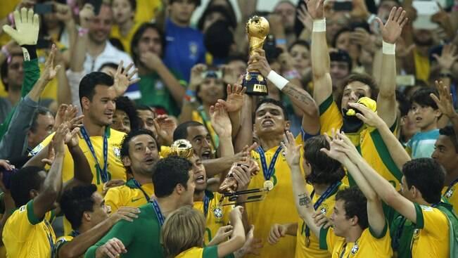 Brasil massacra Espanha e vence torneio pela 4ª vez