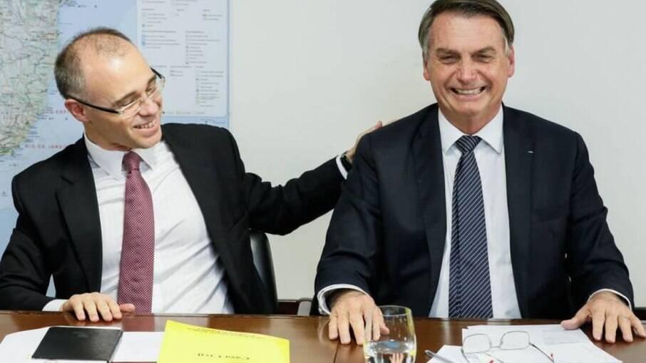 André Mendonça e presidente Jair Bolsonaro