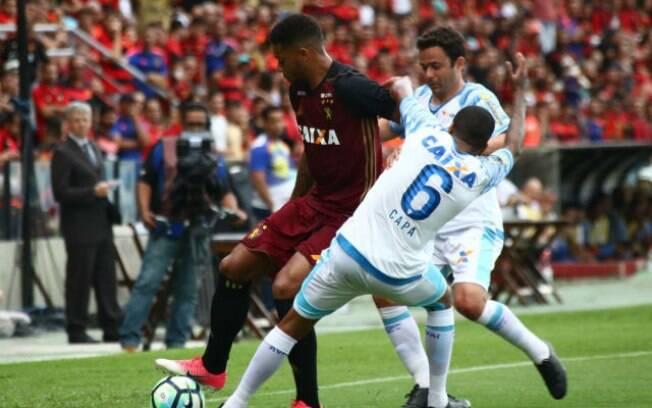 Sport e Avaí jogaram na Ilha do Retiro e a equipe catarinense se deu melhor