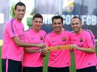 Busquets, Messi, Xavi e Iniesta serão os quatro capitães do Barcelona nesta temporada