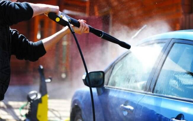 Veja dicas de como limpar o carro e deixá-lo como novo