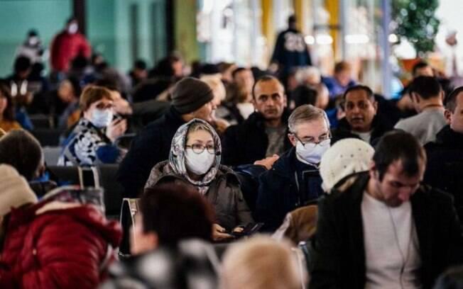 Crescimento exponencial colocou o país entre os mais atingidos pela pandemia do Covid-19