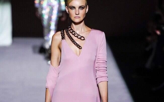 Carol Trentini foi destaque na passarela do estilista Tom Ford