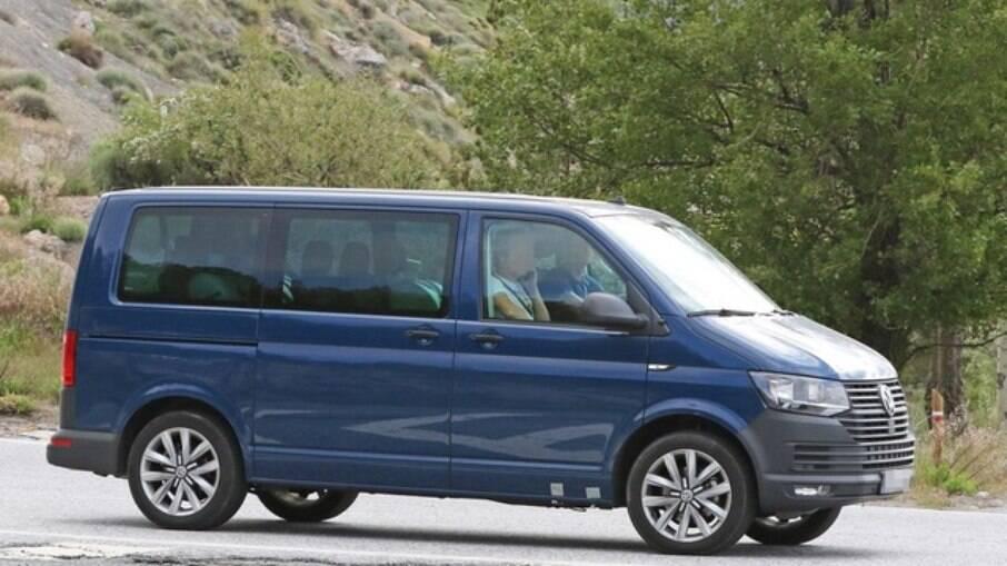 O Volkswagen Transporter é a geração mais recente da Kombi na Europa