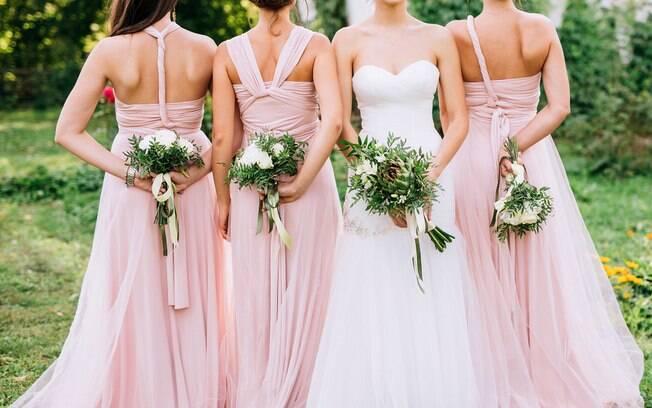 Noiva mente e engana madrinhas e cobra o dobro do valor real dos vestidos que eles iriam usar em seu casamento