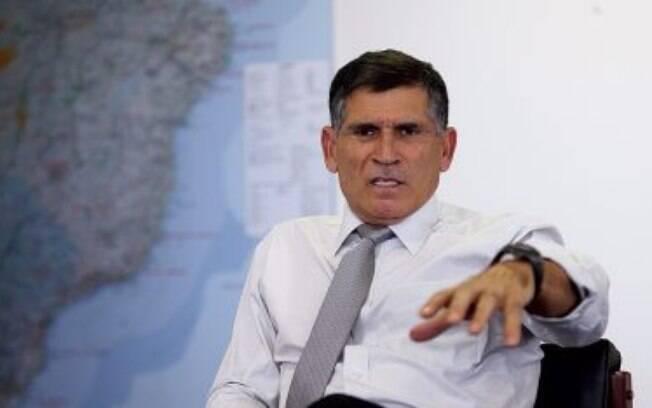 """EXECUÇÃO - """"Bolsonaro rifa aliados com um tiro na nuca, como foi com Santos Cruz"""""""