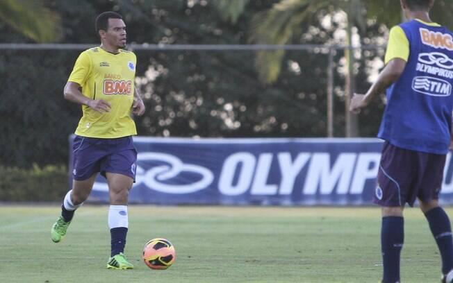 Ceará, lateral-direito do Cruzeiro