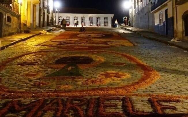 Marielle Franco foi homenageada em tradicional tapete de Páscoa de Ouro Preto; Guarda Civil destruiu a lembrança