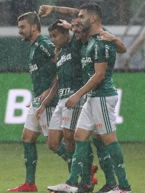 Dudu comemora gol contra o Novorizontino no Paulistão de 2018