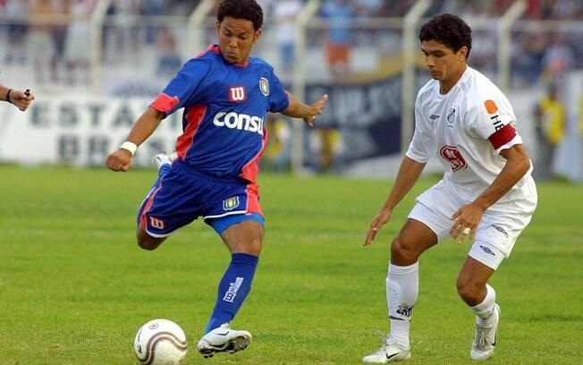 Marcinho comandou o São Caetano na goleada por 4 a 0 sobre o Santos de Diego e Robinho nas semis do Paulistão de 2004