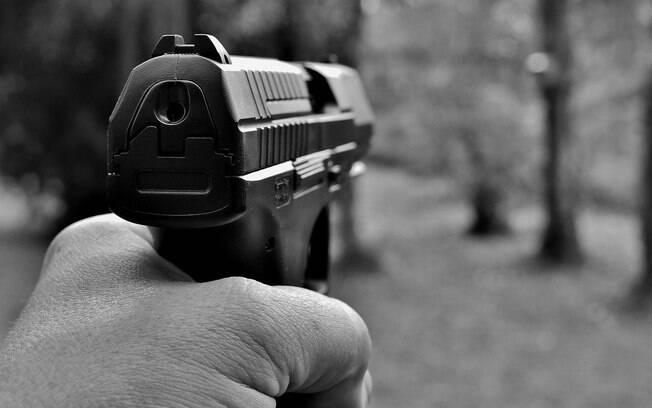 Das 73.985 armas comercializadas entre janeiro e junho de 2020, quase 62% foram compradas por cidadãos comuns