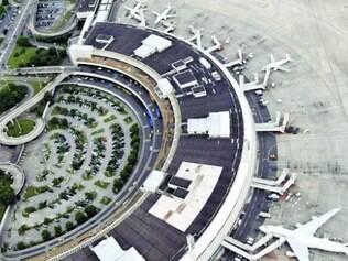 Apenas dois voos atrasaram ontem, no Galeão, no Rio de Janeiro