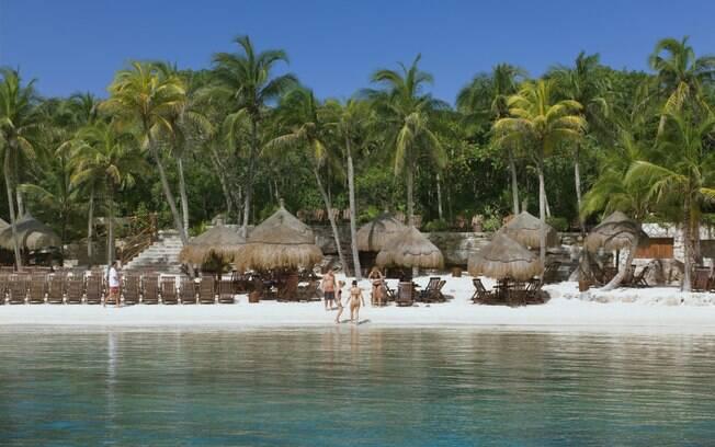 A maior ilha mexicana, Cozumel tem belíssimas praias com atrações que vão do surfe ao mergulho: revelada ao mundo por Jacques Custeau, em 1961